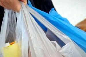 kurangi-limbah-plastik-konsumen-wajib-bayar-kantong-plastik-zmO